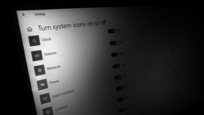 How to Show Hide System Tray Icon on Windows 10